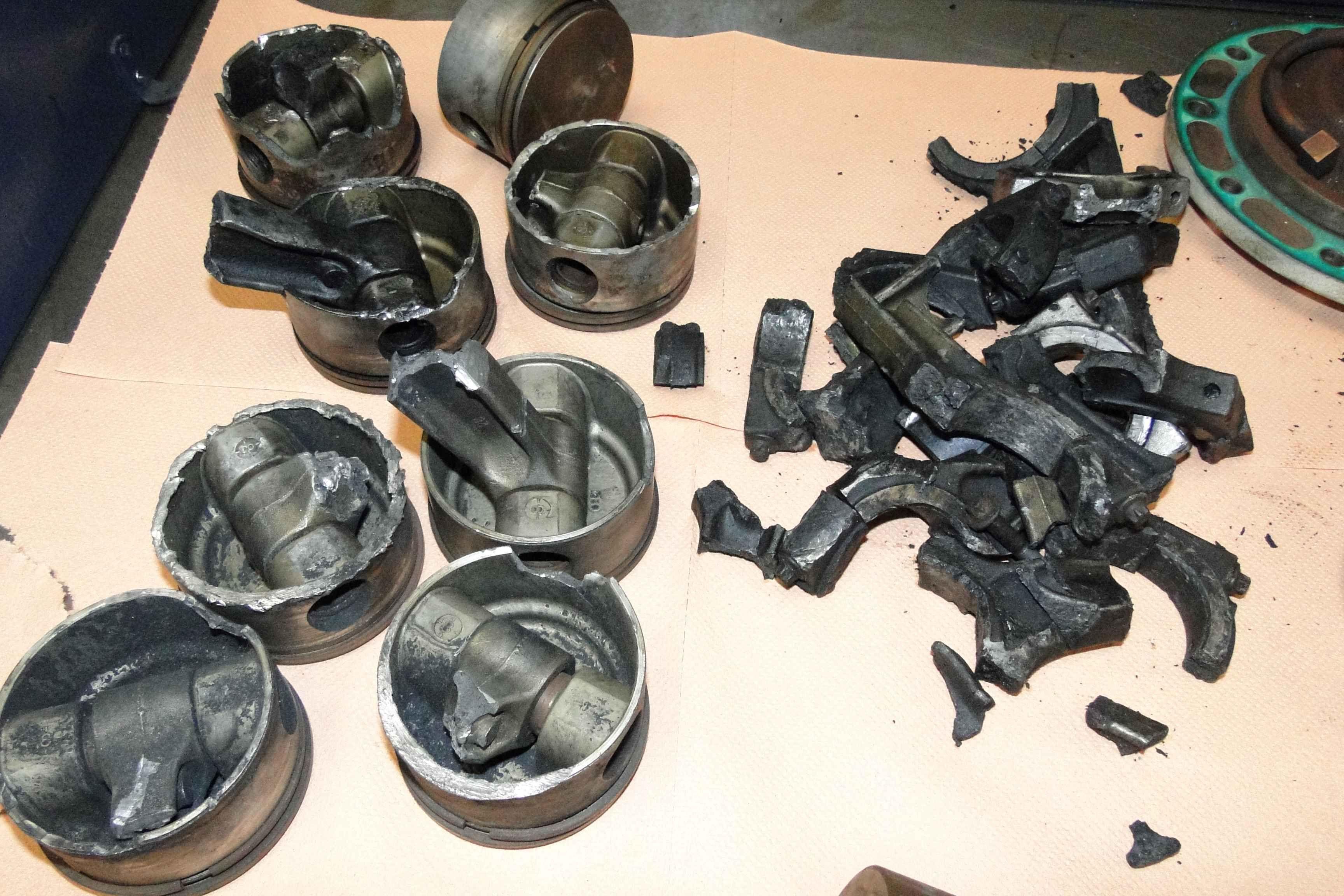 compresseur détruit par serrage.JPG